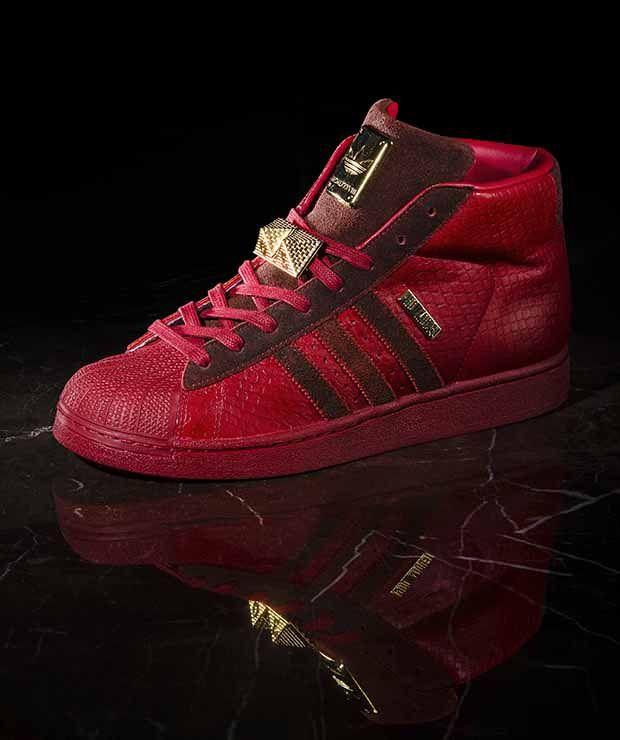 Makin Gaya Dengan Red Sneaker? Kenapa Tidak - http://www.sanggayahidup.com/makin-gaya-dengan-red-sneaker-kenapa-tidak/