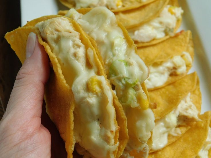 White chicken chili tacos - Drizzle Me Skinny!Drizzle Me Skinny!