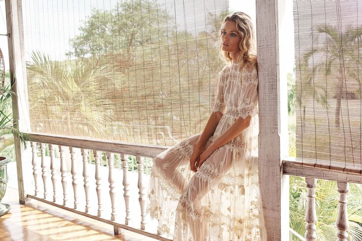 THE AUSTRALIAN BRAND ZIMMERMANN IS FAMOUS FOR ITS SPECIAL CHIC LOOK OF LUXURIOUS BOHO WORLDWIDE. HOLLYWOOD STARS LIKE KATE BOSWORTH AND BLAKE LIVELY & TOP MODELS LIKE ALESSANDRA AMBROSIO AND GIGI HADID SWEAR ON ZIMMERMANN, WHEN IT COMES TO A PERFECT OUTFIT FOR A HIGH-STYLE SUMMER EVENT. SUMMER DINNER ON THE TERRACE, WEDDINGS ON THE