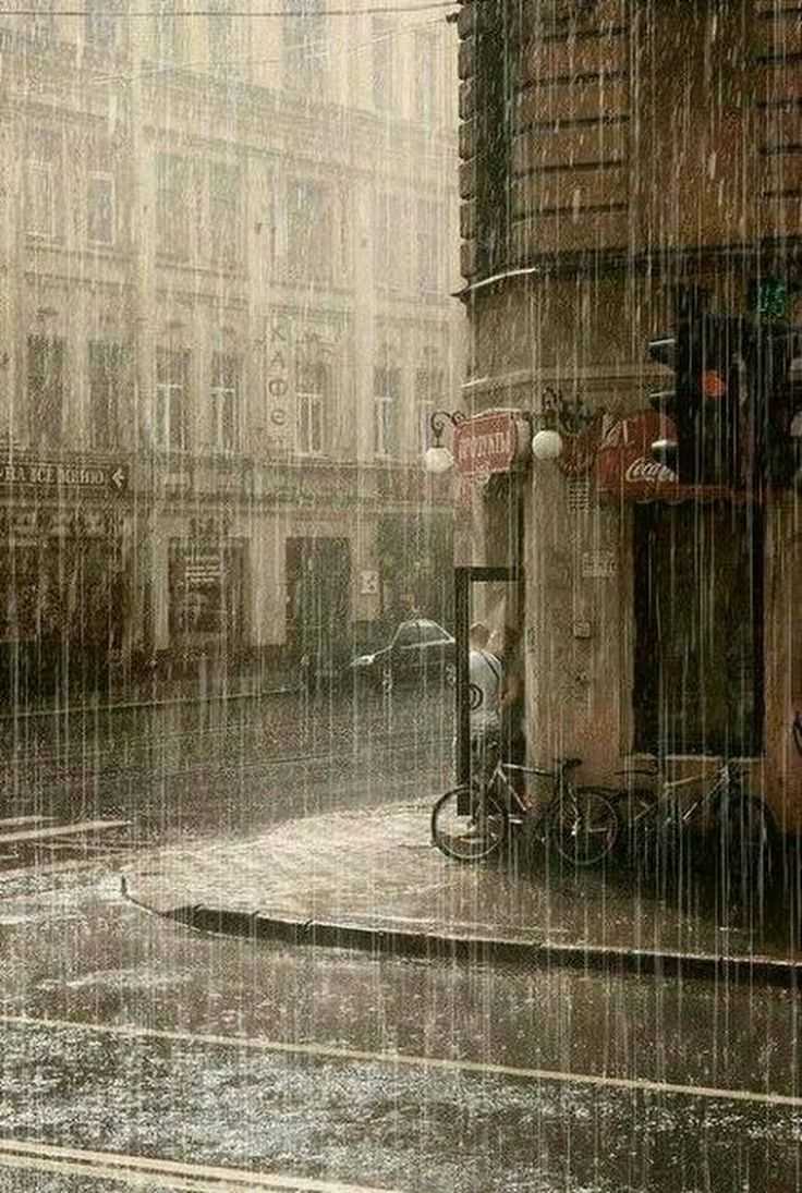 Plansızlık yağmura hazırlıksız yakalanmak gibidir. En kötü plan bile plan yapmamaktan iyidir. - İlknur Han - Google+