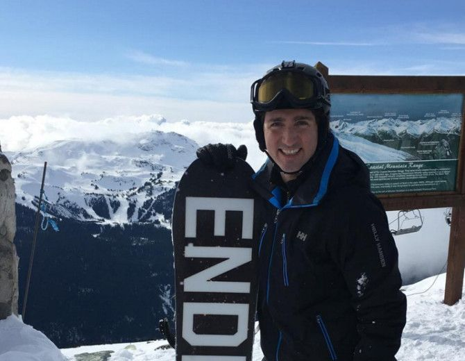 Prime Minister Justin Trudeau spotted snowboarding at Whistler (PHOTOS)