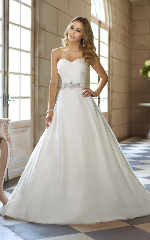 47 best Brautkleider images on Pinterest | Homecoming dresses straps ...