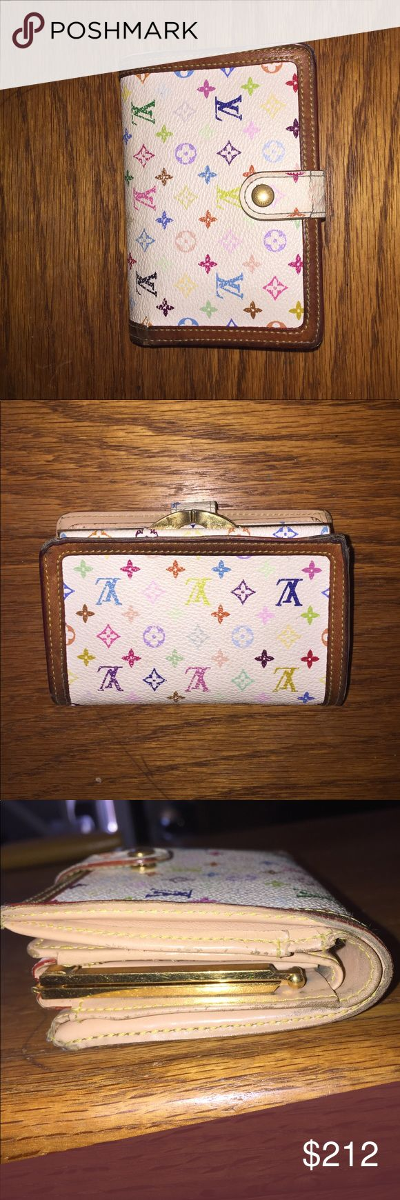 Authentic Louis Vuitton wallet Authentic Louis Vuitton bifold bill card snap wallet sighns of wear cover snap is cracked inside looks pretty good date code is TH0075 won't show up on pictures Louis Vuitton Bags Wallets