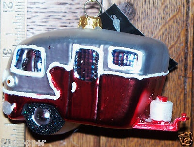 17 best images about christmas camping on pinterest pop for Airstream christmas decoration