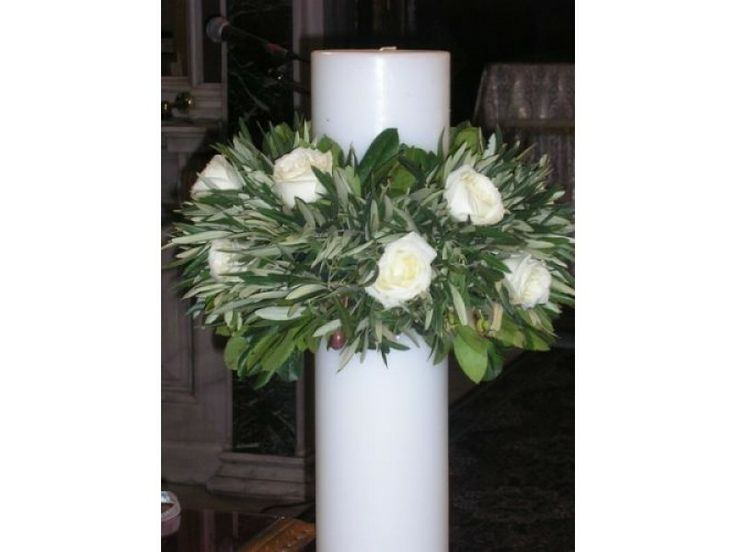Στεφάνι με τριαντάφυλλα και ελιά