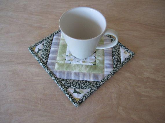 Mug matelassé tapis Cornouiller blanc Selvedge Mug par ISewTotes