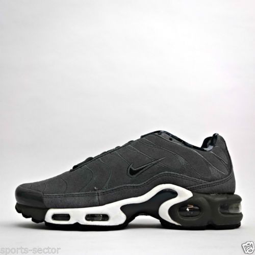 BUY Nike Air Max Plus Tn Ultra Triple Black