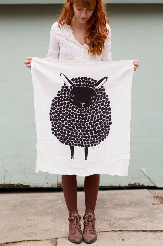 Torchon de mouton noir imprimé avec des encres éco par Gingiber, $18.00
