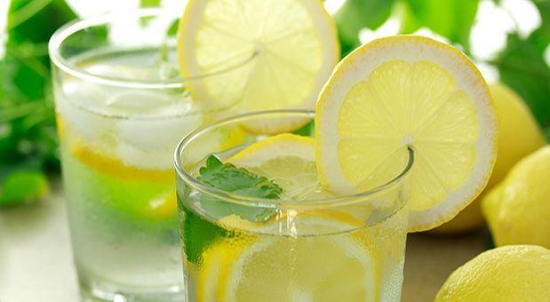 10 důvodů proč pít každé ráno vodu s citronem   Vychytávkov