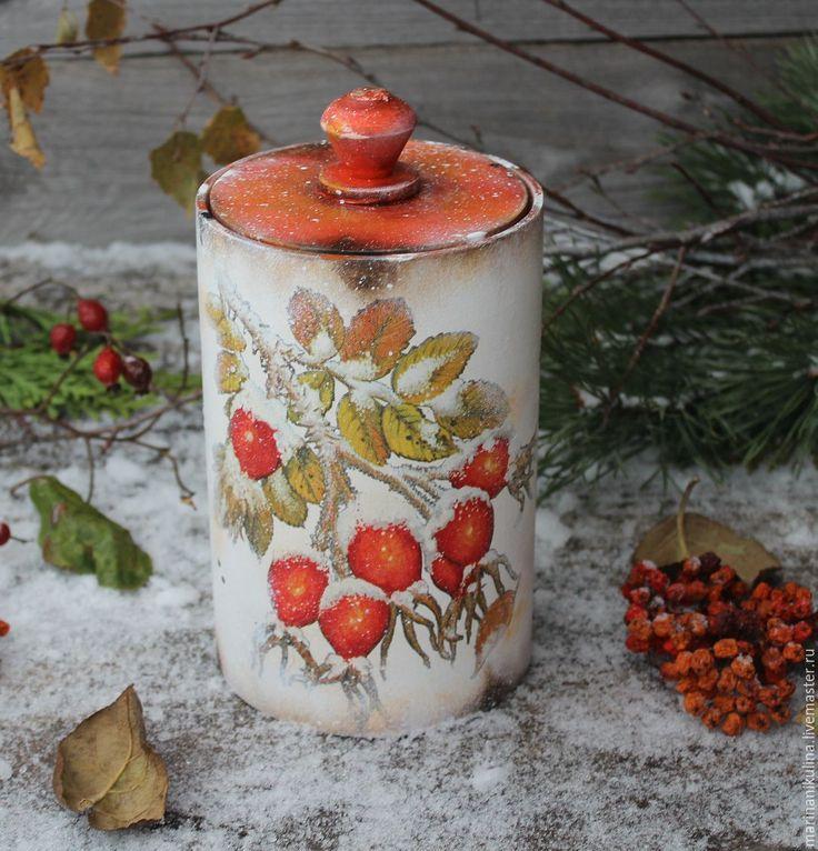 Купить 'Шелестит заснеженный шиповник' короб - рыжий, красный, белый, снежный, Снег, заснеженный, зима
