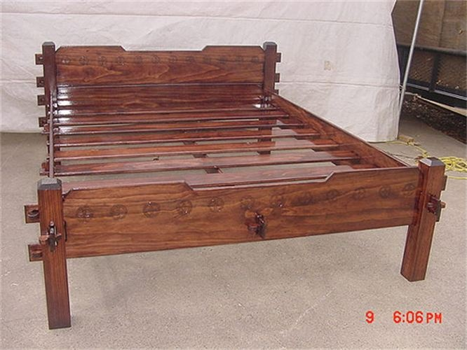 Slat Bed - Finished : This Queen bed shows the Extended Headboard and shorter legs.