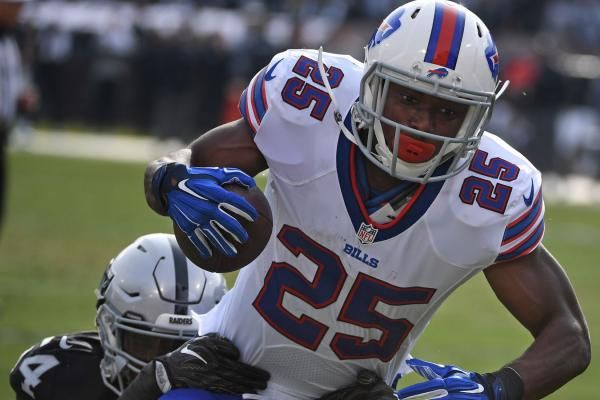 The Sports Xchange EAST RUTHERFORD, N.J. -- Buffalo Bills running back LeSean McCoy suffered an ankle injury in the second quarter.