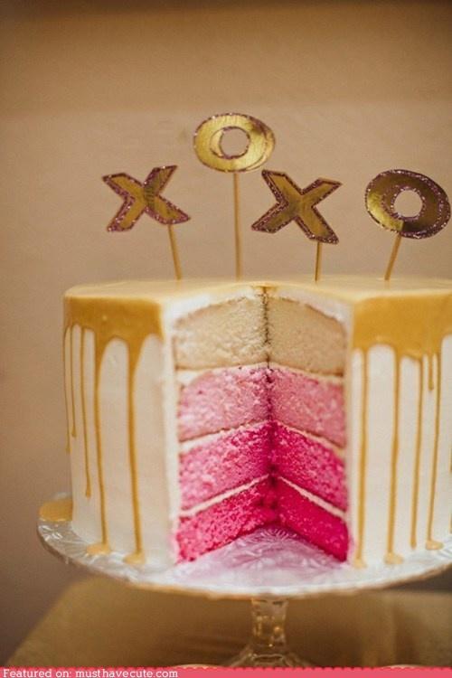 eu adoro bolos altos, coloridos, cheios de recheios