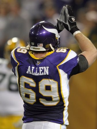 Packers Vikings Football: Minneapolis, MINNESOTA - Jared Allen Photographic Print at Art.com