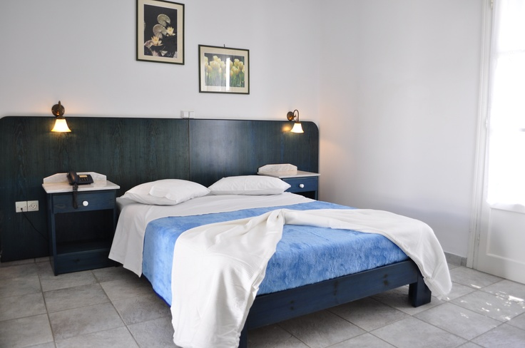 At the Aloni Hotel in Paros, we strive to offer our guests the most comfortable and relaxing accommodation on the island, by providing high-quality amenities and facilities. http://www.aloniparos.com/paros/view/paros-accommodation