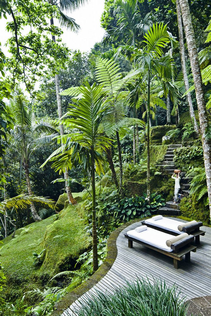 A First-Timer's Guide to the Best Spots in Bali, Indonesia - Bali was once a magnet for backpackers and surfers drawn to the Indonesian island's tropical climate, friendly locals, and laid-back vibe. But in recent years, a wave of stylish hotels and hip eateries have sprung up to cater to an increasingly sophisticated crowd. From flashy Seminyak to bohemian Canggu, peaceful yoga hub Ubud and surfer's paradise Uluwatu, there's much to uncover. JS contributor Erin Van Der Meer shows us how to…