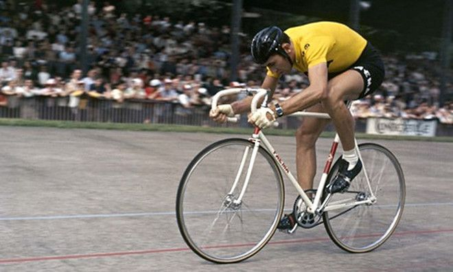 Merckx Monday:  How to look good on a bike!