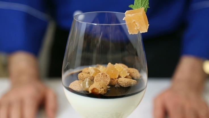 Panna cotta con amaretti, cotognata Lazzaris e caramello all'aceto balsamico