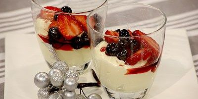 16 best lyndeys christmas recipes images on pinterest christmas white chocolate mascarpone mousse with berries in sparkling shiraz syrup forumfinder Choice Image