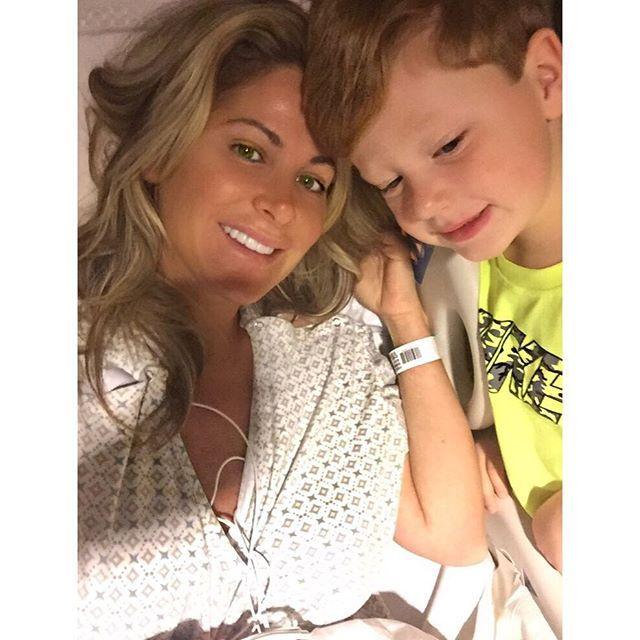 Kim Zolciak Shares Hospital Selfies - http://site.celebritybabyscoop.com/cbs/2015/10/28/zolciak-hospital-selfies #DontBeTardy, #Heartcondition, #Hospital, #KimZolciak, #KJBiermann, #RealHousewivesofAtlanta, #Selfie, #Stroke