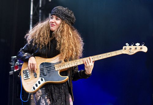 Tal Wilkenfeld All the way from Sydney, Australia. Ladies and Gentlemen we introduce you an amazing electric bass player, born on the 2nd of December of 1986. T