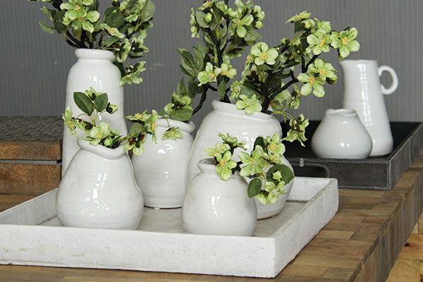Paris White ceramic, Daydream. Vaasjes wit keramiek met organische vorm. Woonaccessoires. Home deco.