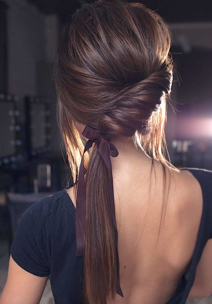 7 clever ways to wear a ponytail for every occasion. Whether you like fancy, messy or braided ponytails or have short or long hair, here you will find elegant and stylish ideas for every occasion