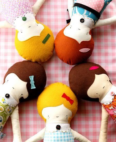 .: Felt Dolls, Retro Mama, Fabrics Dolls, Girls Dolls, Sewing Patterns Girls, Rag Dolls, Handmade Dolls, Circles Of Friends, Dolls Patterns