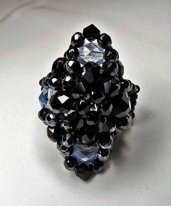 Egy gyűrű több színben. Vízkék_fekete