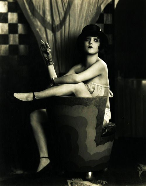 Madge Bellamy, 1920s (life is a Cabaret, old chum)