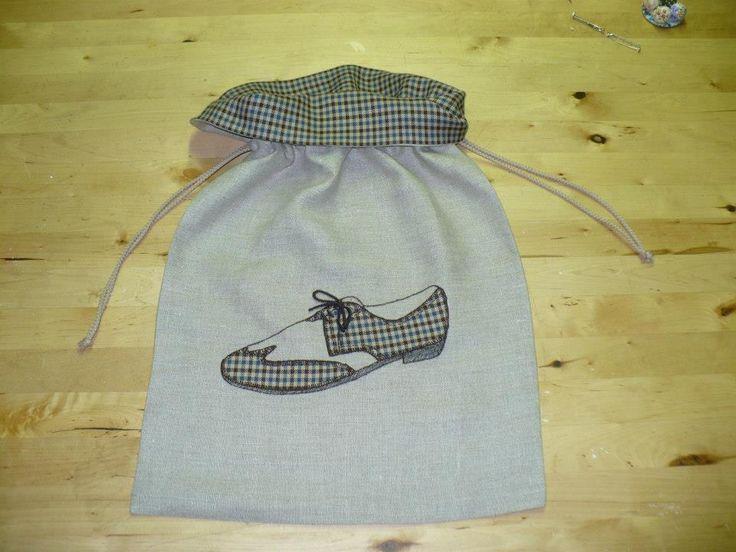 bolsa para zapatos diseñada por Raquel Pla