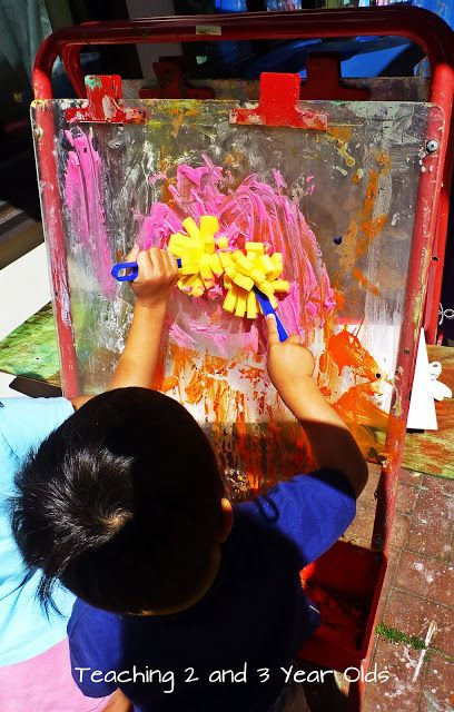 Teaching 2 and 3 Year Olds: Foamy Paint Fun Outside!
