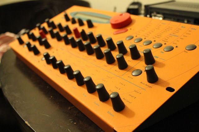 MATRIXSYNTH: Waldorf Microwave XT Polyphonic Synthesizer