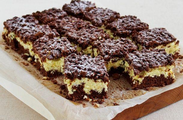 Fantasztikus reszelt túrós süti pillekönnyű töltelékkel | femina.hu