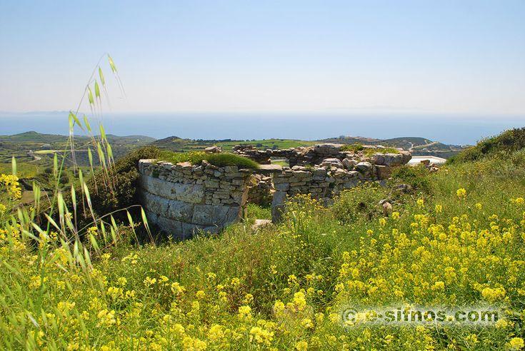 Αρχαίος Πύργος Καδέ στην Σίφνο Κυκλάδες