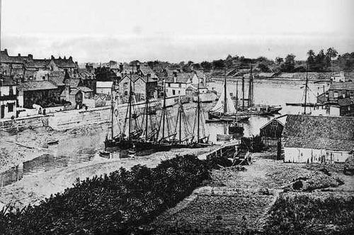 The village of Pill was famous for the skill of its pilots, who used their knowledge of the tides and currents of the Bristol Channel to guide ships safely to the mouth of the Avon.