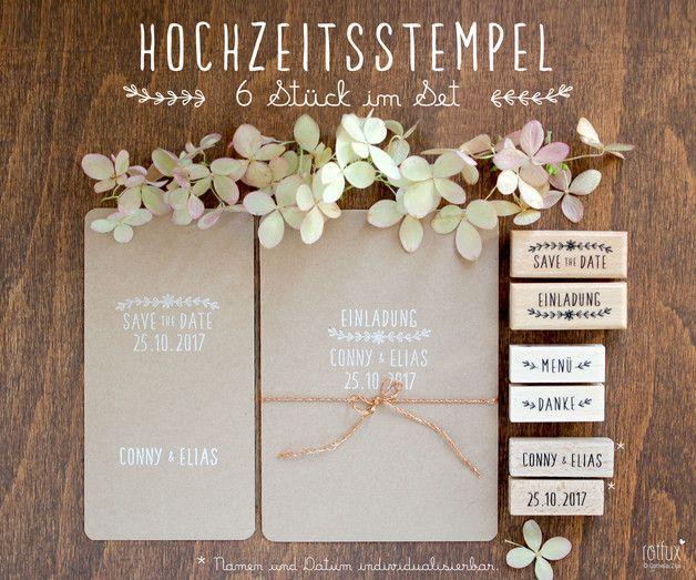 Das Stempelset HOCHZEIT besteht aus 6 Stempel, wobei der Namens- und der Datumstempel individuell für dich hergestellt werden. Mit dem Set lässt sich die gesamte Hochzeitspapeterie gestalten wie...
