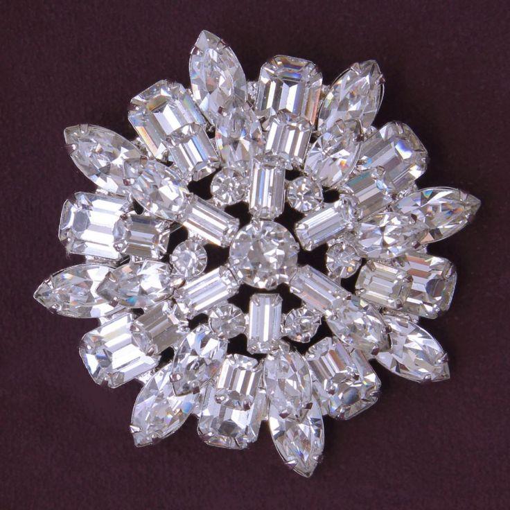 Weiss Clear Rhinestone Layered Dimensional Brooch Pin