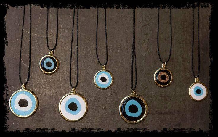 Super διαγωνισμός από τo BRACCIALETTI CONCEPTS!!! Κάντε like LIKE στη σελίδα Braccialetti Concepts //  LIKE & SHARE την φωτογραφία και μπείτε στην κλήρωση!!!  5 τυχερές θα κερδίσουν από 1 evil eye pendant!!!   #uniquness #aesthetics & #style #braccialetticoncepts #evileye #pendants #supercool #stylish #winteressentials #winter2015 Μην το χάσετε!!! Ο διαγωνισμός λήγει στις 23 Νοεμβρίου smile emoticon