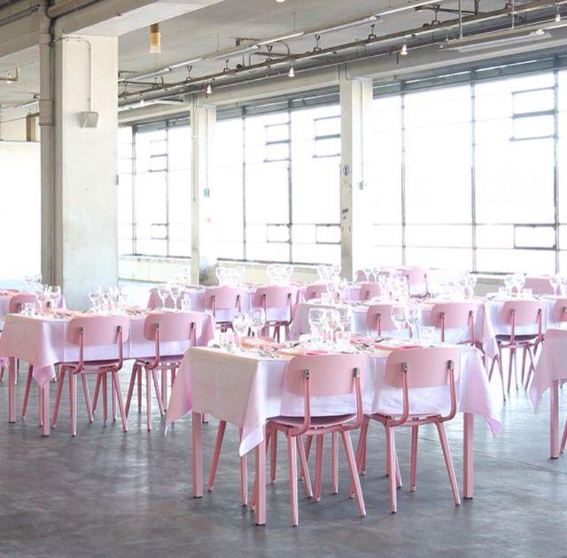 Restaurant Citroen | Citroën Garage | Stadionplein Amsterdam (flamingo pink Friso Kramer Revolt chairs)