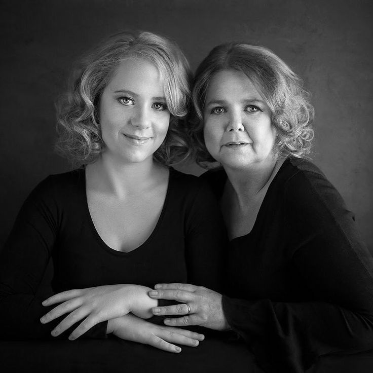 Mother and daughter portrait. Such beautiful people and a joy to shoot! #portraitphotographer #motherdaughter #familyphotography #memorieslastforever #familyheirlooms #professionalportraits #blackandwhitephoto #classicportrait #ireland