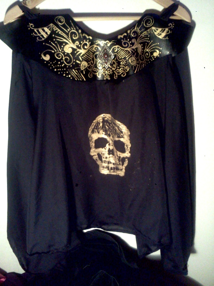 Made by me...leather and cotton...golden skull, hell yeah