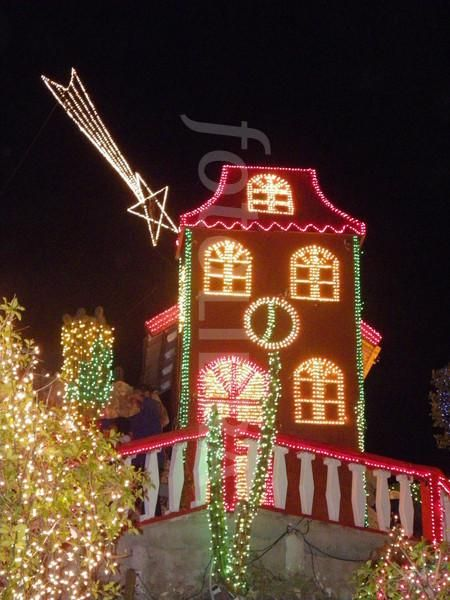 1000 Images About Christmas Lights On Pinterest Outdoor