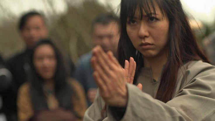 Als die Mandschu im 17. Jahrhundert China eroberten, flüchtete sich eine Frau in ein Shaolin-Kloster. Dort lernte sie, ihren Körper als Waffe zu gebrauchen. Der Siegeszug des Wing Chun begann.