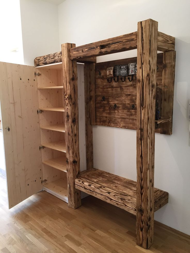 Guardarropa de madera vieja in 2020 Garderobe holz