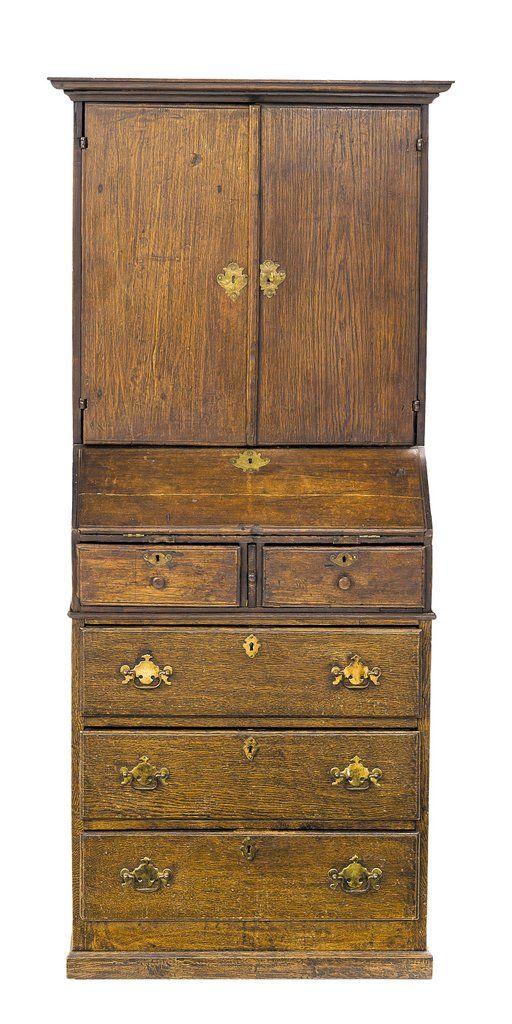 ESCRITORIO EN ROBLE S. XIX, escritorio de madera de roble con cajones en la parte inferior y bonito escritorio policromado en la parte superior. Medidas: 168 x 66,5 x 36 cm.