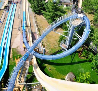 The 5 Best Water Slides in The World http://thetravelramble.co.uk/5-best-water-slides-world/