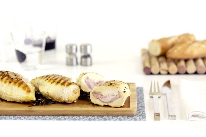 Cómo hacer pechugas de pollo rellenas de lacón en Crock Pot o slow cooker. Receta paso a paso. Recetas de aves en olla de cocción lenta.