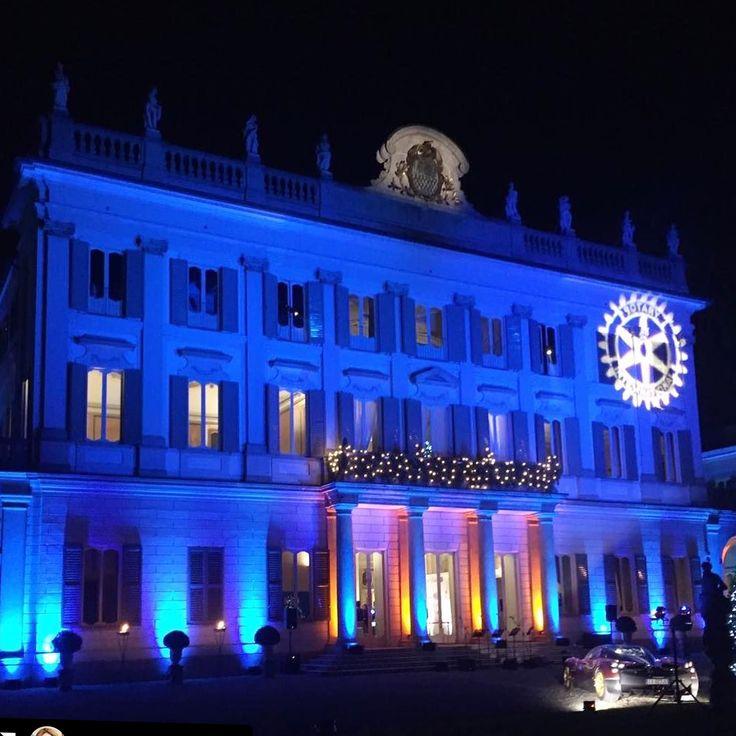ALMA PROJECT @ Villa Borromeo - Cassano d'Adda - Facade uplights - Rotary logo - #ggn2016 #almaprojectentertainment #breastunit #villaborromeo #grangaladinatale #rotaryinternational #lamborghini #huracangt3 #pagani #carsandcofeeitaly #architecturallighting #rotary - Special night for special people. We're ready for #ggn2017 repost #mary____lux7