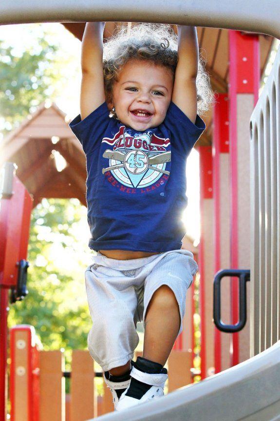 baby hank baskett jr.; Kendra Wilkinson's son
